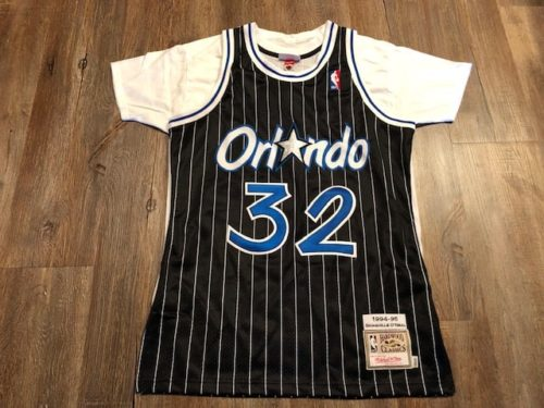 jersey-vs-shirt-mitchell-and-ness-authentic