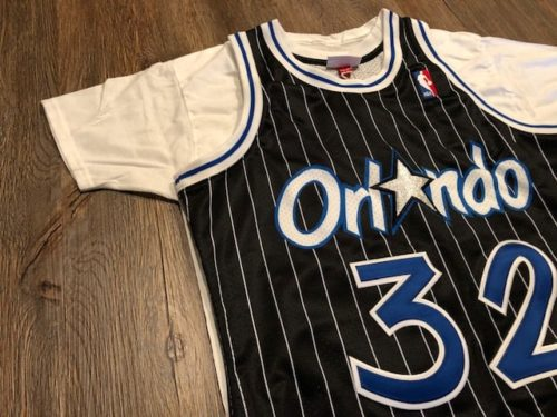 jersey-vs-shirt-mitchell-and-ness-authentic-side-2