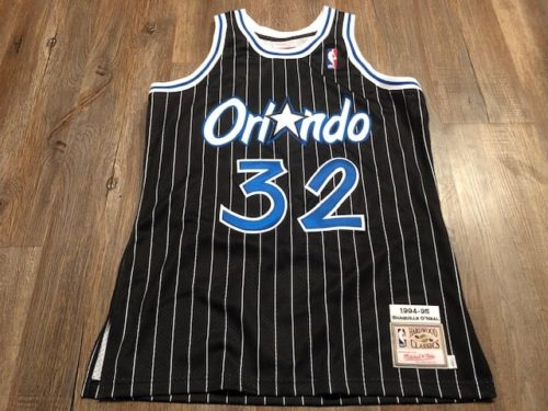 mitchell-and-ness-authentic-jersey-review-frontside