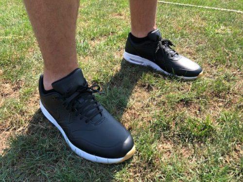 air-max-nike-golf-shoe-range-close